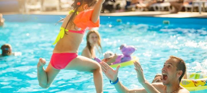 Offerta di Agosto a Bellaria Igea Marina per Famiglie: un mare di divertimento ti aspetta!